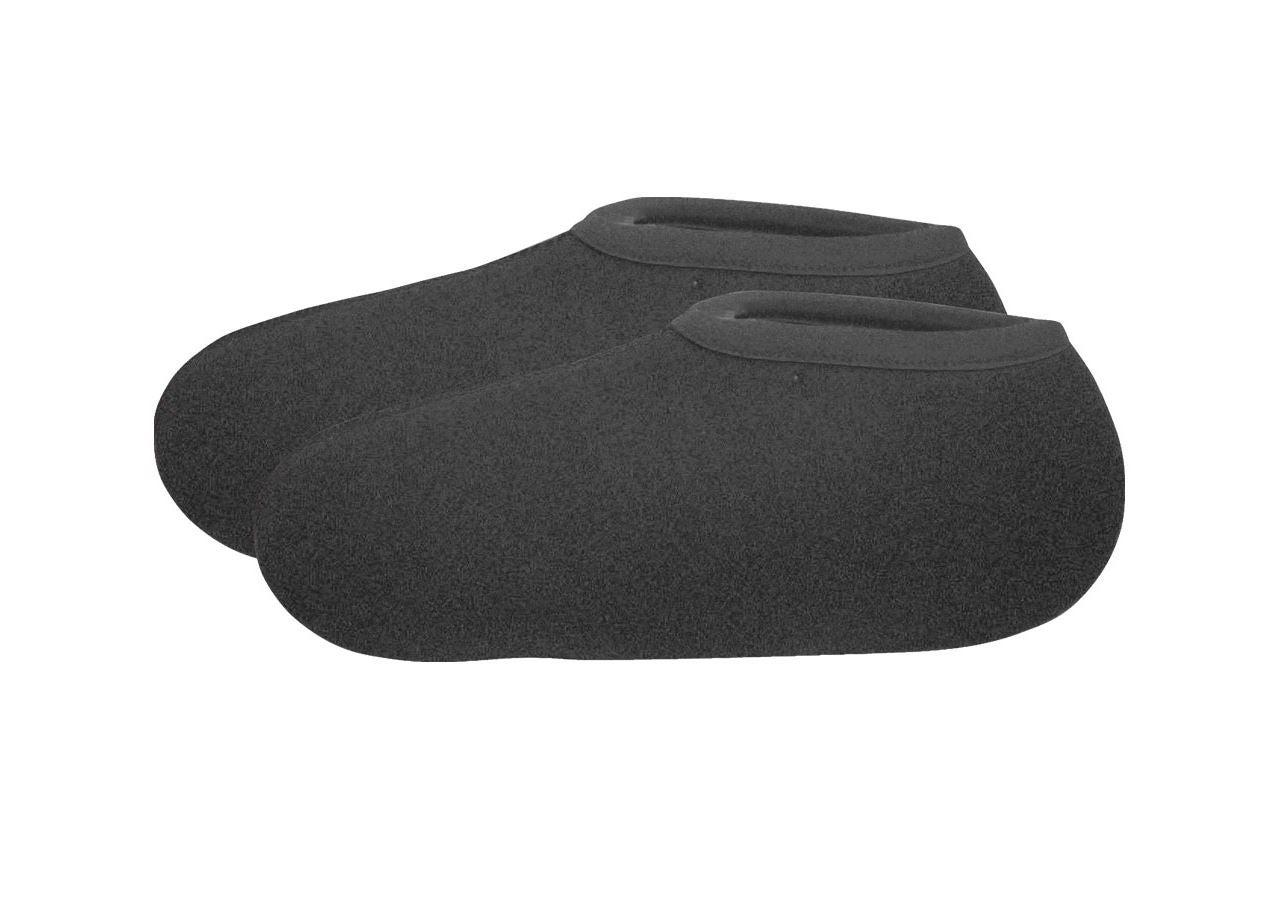 Accessories: Boot socks + black