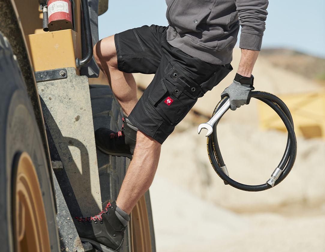 Work Trousers: Shorts e.s.roughtough + black