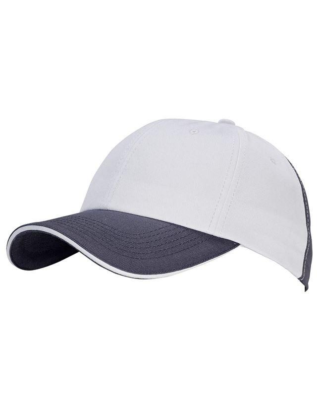 Accessories: e.s. Cap color + white/grey