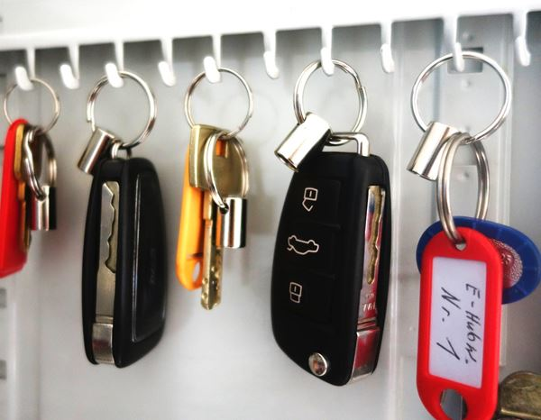 Assorted Supplies: Key holder with connection 1